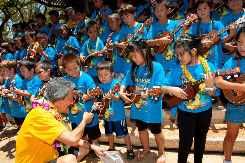 Ukulele Festival Hawaii2012-Twinklers-0027Twinklers with R. Sakuma-1