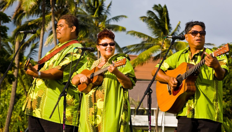 Hawaiian three-piece band